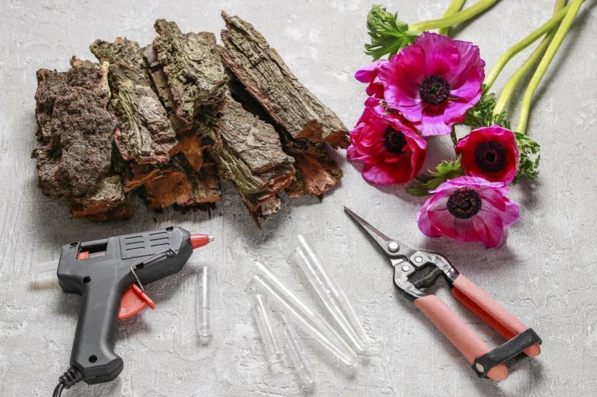 DIY, váza, virág, fakéreg, pink, anemóna, dekoráció