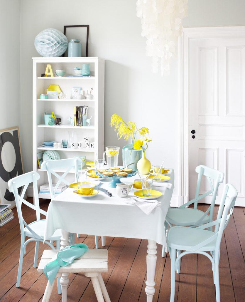 09b00e39e3 Például választhatunk élénk színű tányérokat, de szedhetünk sárga virágokat  és még az ételek elkészítésénél is ügyelhetünk az alapanyagok színére.