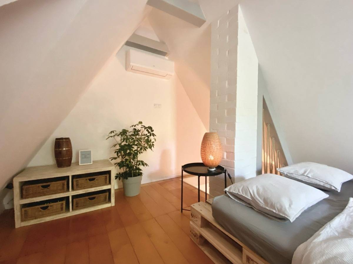 hálószoba, kabin, parketta, szőnyeg